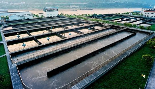 某宁波污水处理厂因超标准排放污水被罚款10多万元